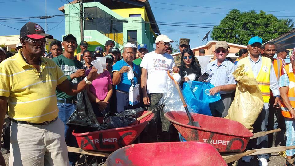 Alcaldía Loma de Cabrera Inicia Plan Dominicana Limpia